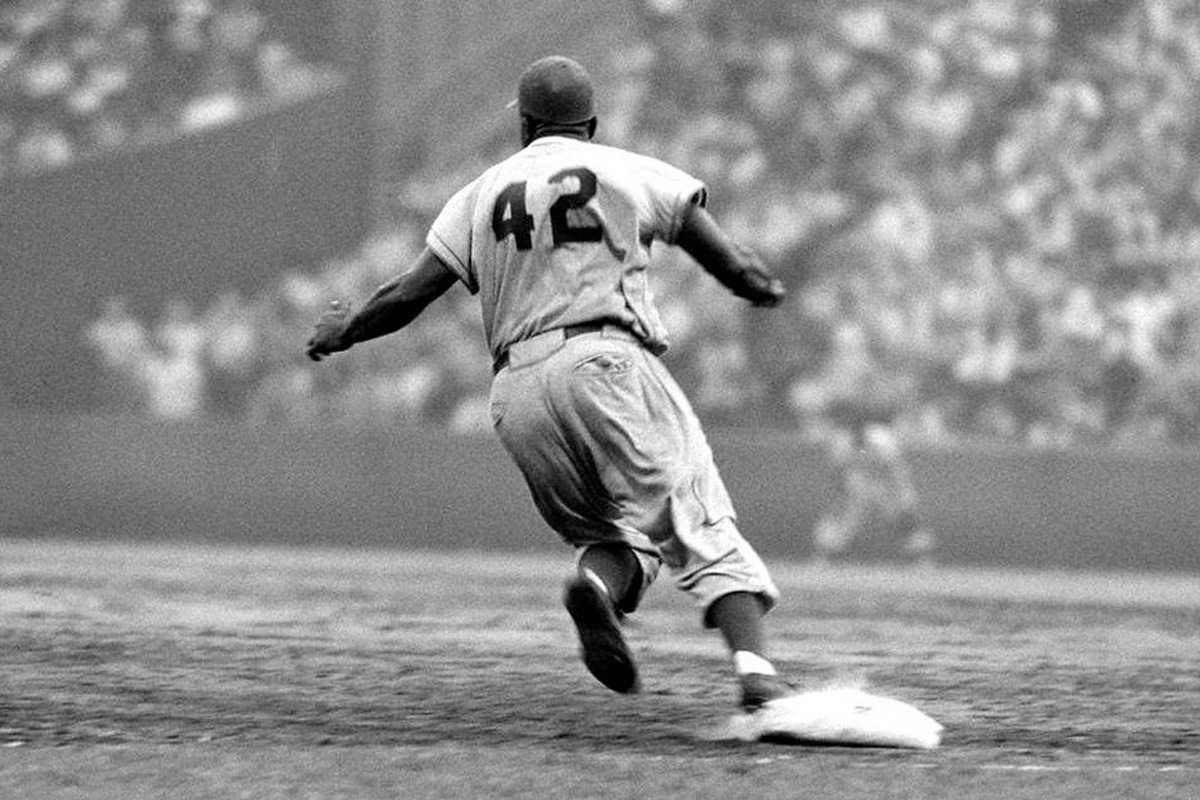 Babe Ruth More Important Than Jackie Robinson?